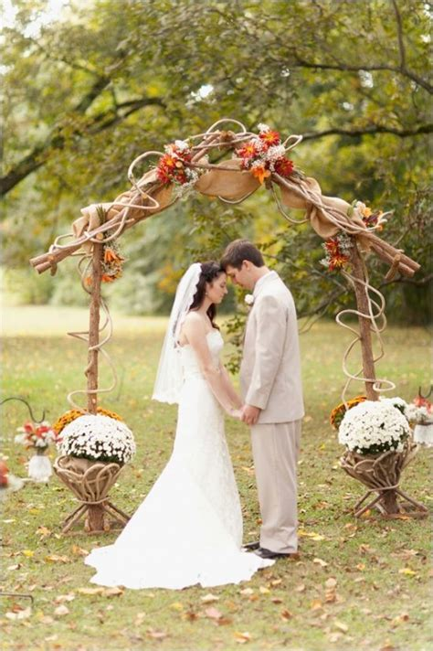 Best 25  Burlap wedding arch ideas on Pinterest   Rustic