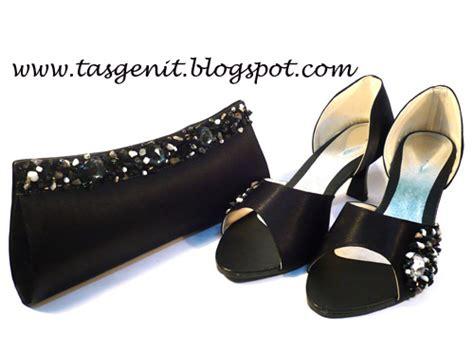 Tas Pesta Wanita 2150 Hitam set matching clutch bag dan sepatu pesta hitam kode 2