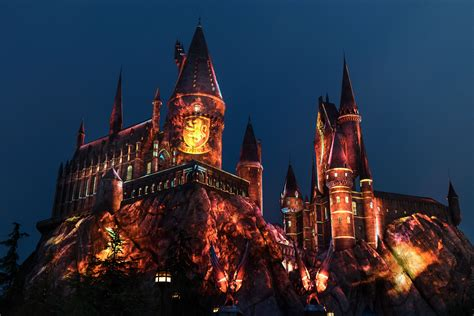 harry potter hollywood light show universal studios hollywood casts a dazzling spell on the