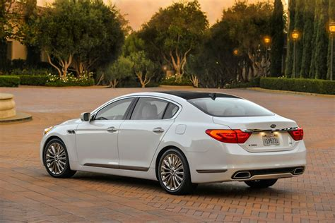 Price For Kia K900 New Kia K900 Luxury Sedan With 420hp V8 Starts At 59 500