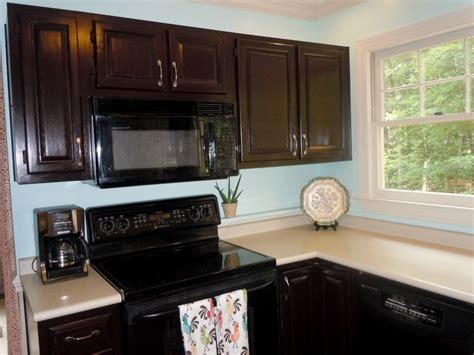kitchen cabinet gel stain how to gel stain your kitchen cabinets
