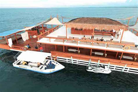 jicoo floating boat 7 of the world s coolest floating bars