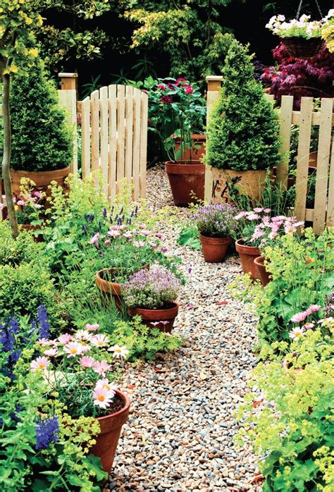 Container Gardening Book - pretty organizing ideas for spring gardening hadley court