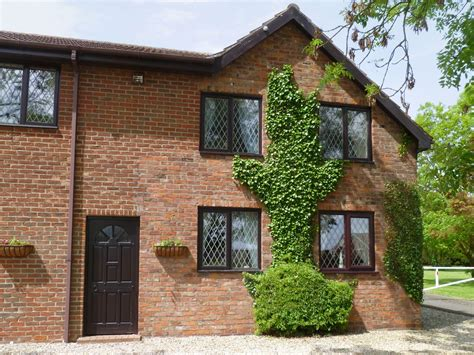 Hoseason Cottages by Hoseasons Cottages Ashtree Court Hayloft East Of
