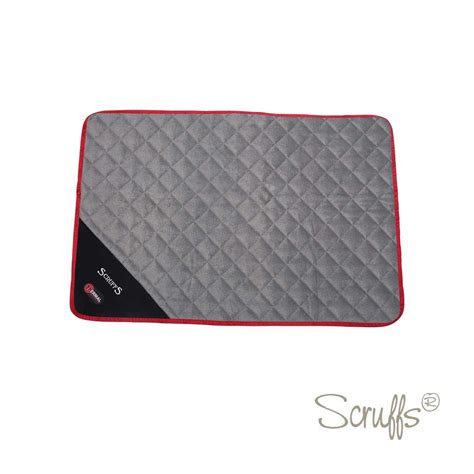 mats on dogs scruffs thermal self heating pet mat for dogs and cats