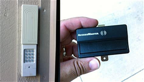How To Reset Clicker Garage Keypad by How To Change The Code On Your Garage Door Opener