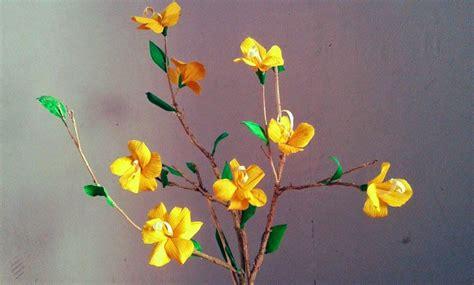 cara membuat bunga tulip dari kertas jagung cara membuat bunga dari kulit jagung