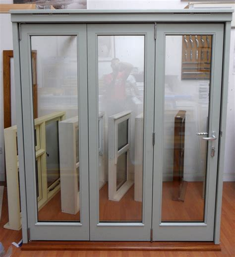 Tri Fold Door by Trifold Door Homely Ideas Tri Fold Closet Doors