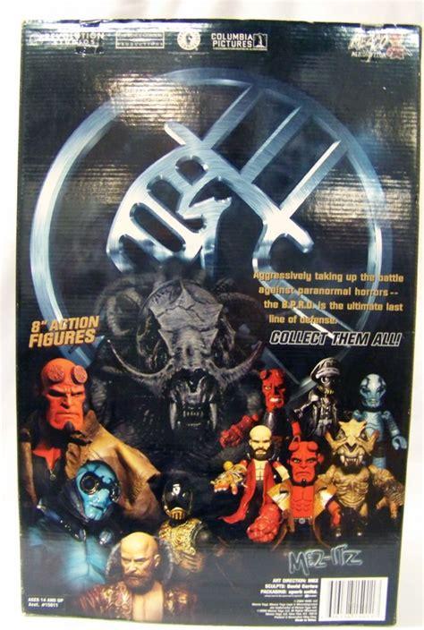 Hellboy 18 Inch Mezco hellboy mezco 18 inch hellboy quot battle damaged variant quot