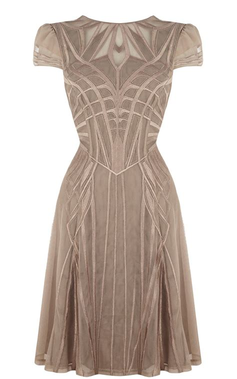 hochzeitskleid jugendstil wonder woman modern fashiondesign pinterest