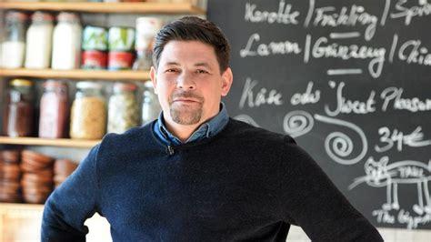 Kitchen Impossible 2017 Sendetermine Kitchen Impossible 2017 Zweite Staffel Mit Tim M 228 Lzer Und