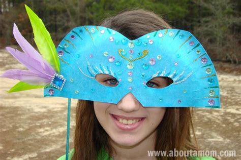 How To Make Paper Masks - mardi gras mask paper plate craft