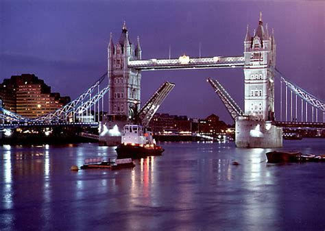thames river cruise in london honeymoon registry honeymoon destinations honeymoon
