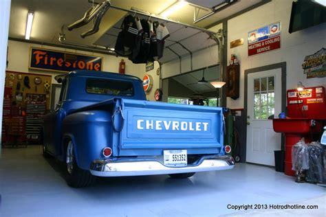 Awesome Car Garages Cobb Ware S Workshop Garage Hotrod Hotline