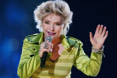 Kirsten Stands Up To Blondie Fans by Blondie S Debbie Harry Celebrates 70th Birthday But