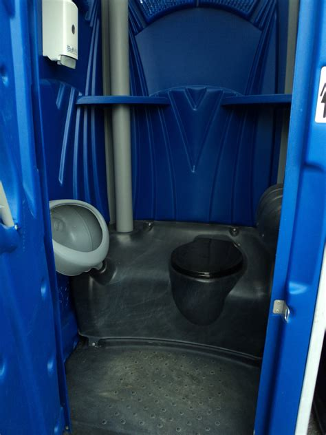 mobile bathrooms elitte septic tank service inc portable toilets