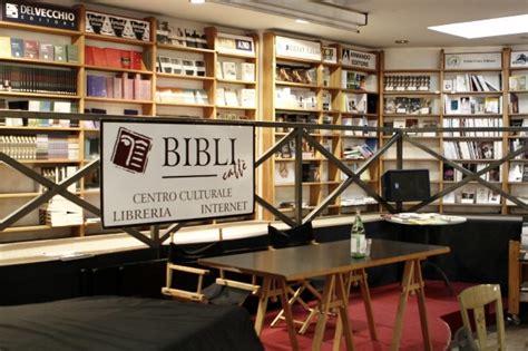 libreria bibli roma foto bibli il salotto culturale di trastevere rischia la