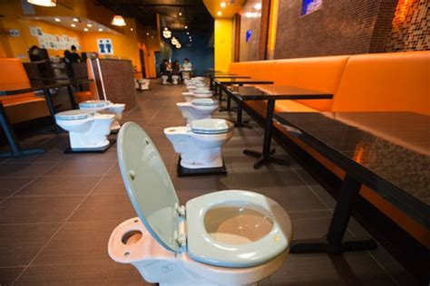 bathroom themed restaurant no thank you first ever toilet themed cafe opens in us