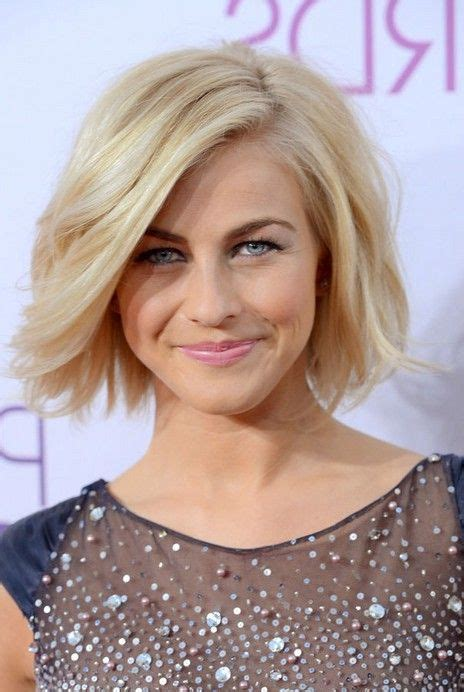 julianne houghs mid length bob julianne hough short hairstyle blonde roots on tousled