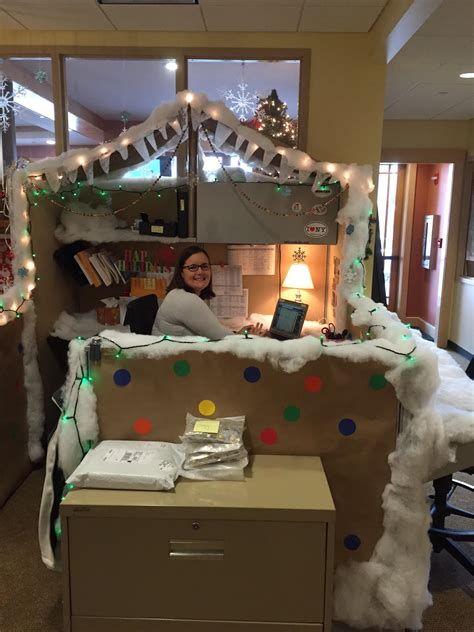 roost announces winners  cubicle decorating contest