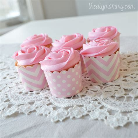 How To Make Paper Cups For Cupcakes - how to make icing roses on cupcakes with a 1m tip the