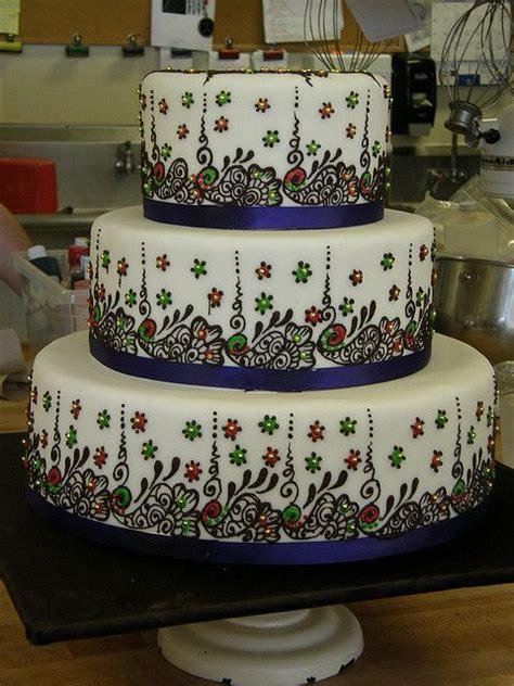 henna design wedding cake indian wedding cake with henna detail cake bling