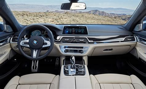 bmw  bmw  series coupe interior features  bmw