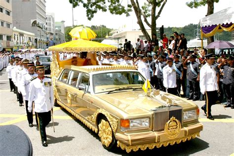 roll royce brunei 10 extreme facts about sultan of brunei youtube