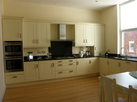 cream and black kitchen ideas apt6 kitchen cream shaker black granite the shelbourne