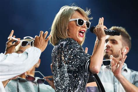 taylor swift concert snake pit richard judy life can turn on the twist of rubik cube
