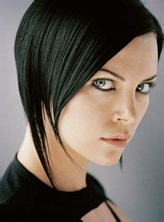 edgy haircuts charlize theron in aeon flux 1000 images about hair cuts on pinterest aeon flux