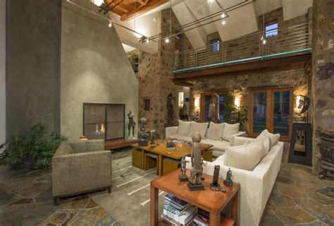 Oprahs House by 15 Features In Oprah Winfrey S New House