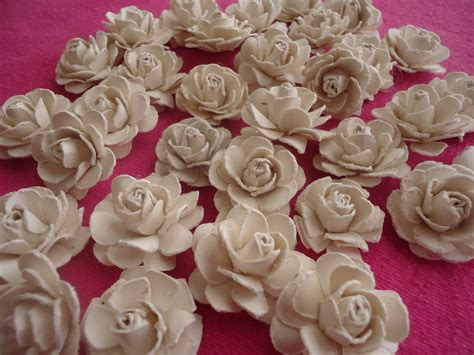 Paper Roses Easy - crafter on a budget easy paper tutorial