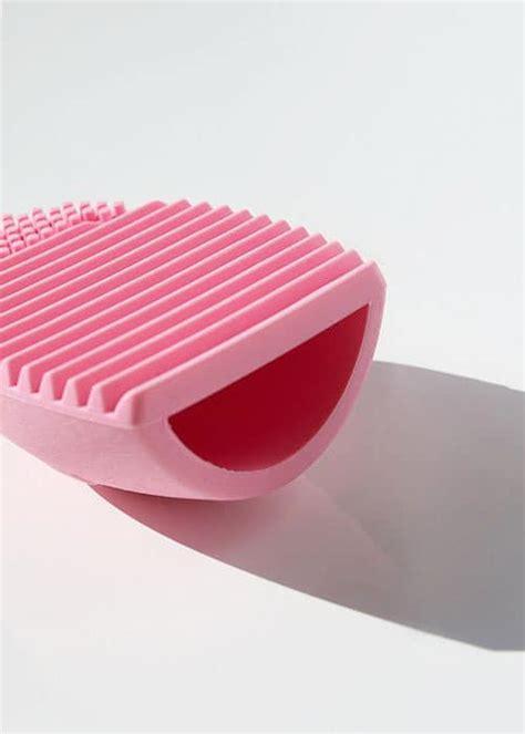 Brush Egg In Pink silicon egg cleaning brush light pink hypegem