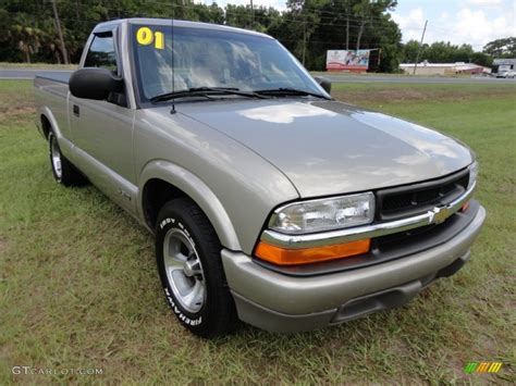 Outside Ls by Light Pewter Metallic 2001 Chevrolet S10 Ls Regular Cab