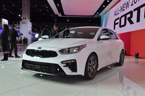 2019 kia forte arrives with stinger design cues and new