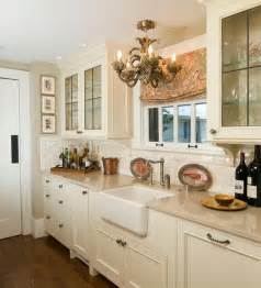 traditional kitchen design with lovely lighting and classy