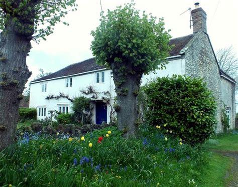 Cottage Wine by Melon Cottage Vineyard Charlton