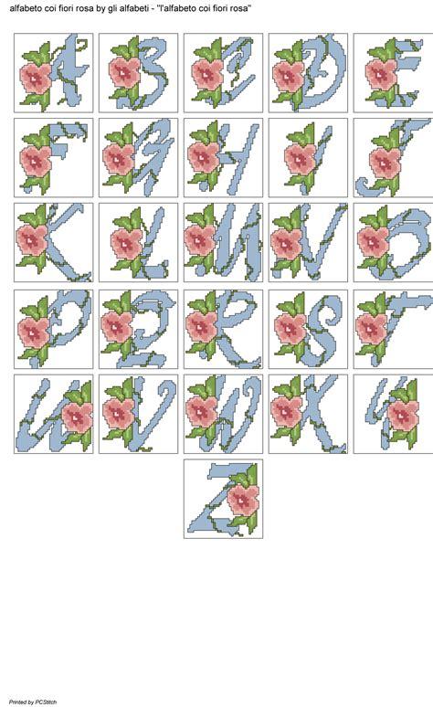 alfabeto fiori alfabeto coi fiori rosa alfabeti a punto croce