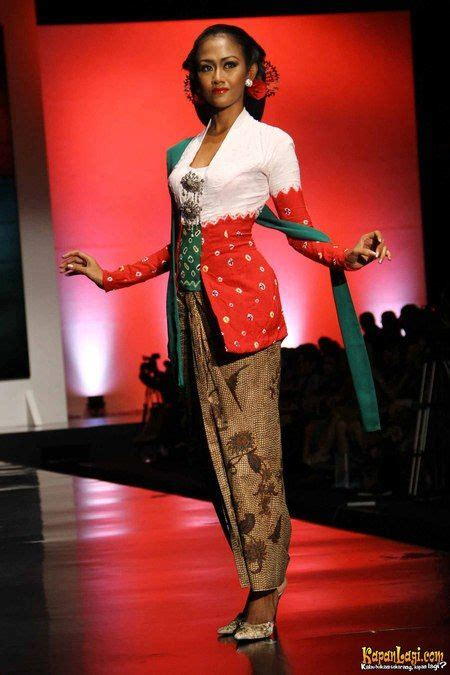 Souvenir Koleksi Asia 17 best images about traditional dress on traditional javanese and kebaya