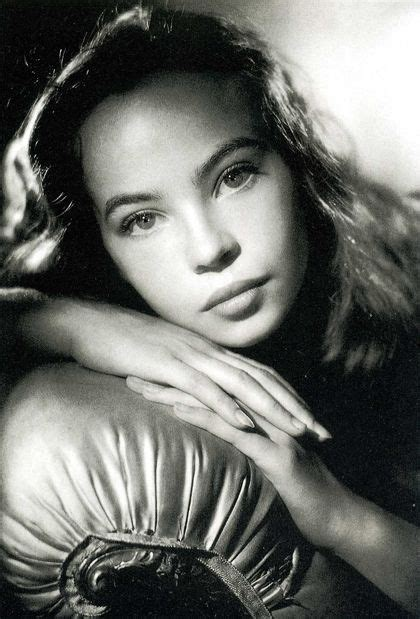 most beautiful classic actresses of all time leslie caron one of hollywoods most beautiful talented