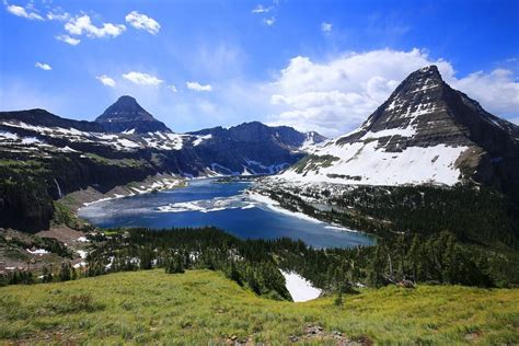 glacier national park hidden lake and bearhat mountain right glacier
