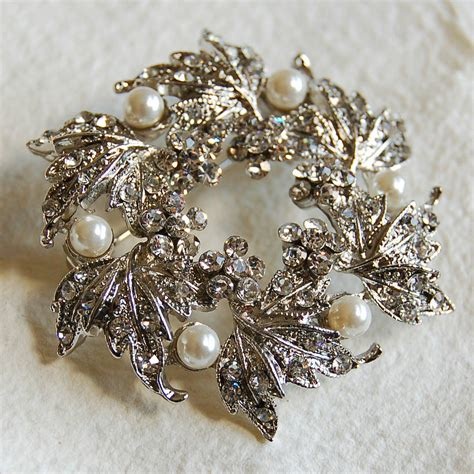 silver wreath brooch  highland angel