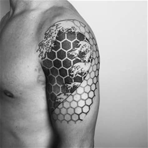 geometric honeycomb tattoo geometric honeycomb tattoo www pixshark com images
