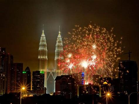 new year at kuala lumpur best new year fireworks around the world