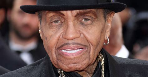 joe jackson safe and healthy after las vegas car crash
