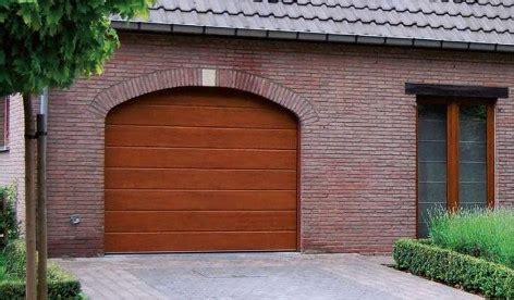 Holz Anrauhen Lackieren by Garagentor Neu Streichen Garagentor Vergleich De