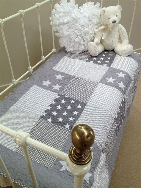Cot Bed Patchwork Quilt - 25 best ideas about cot quilt on doll bedding