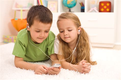 Teach Children Sharing 6 Ways To Teach Your Kids To Share Pictures For Children