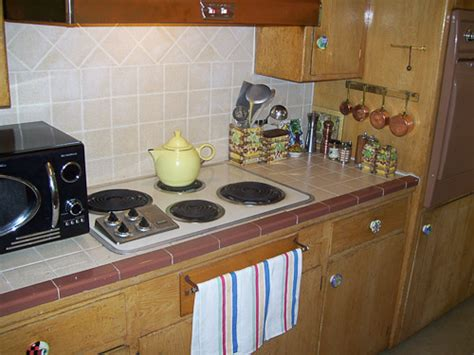 Tiled Kitchen Backsplash Should Karen Replace Her Original Ceramic Tile Kitchen